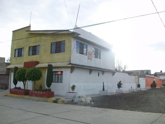 Vendo Bonita Casa Con Accesoria Comercial Y Departamentos.