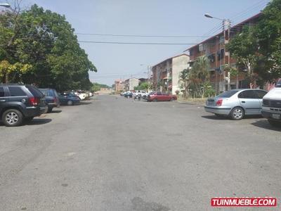 Apartamento En Venta Madre Maria, Los Samanes 19-8328 Hcc