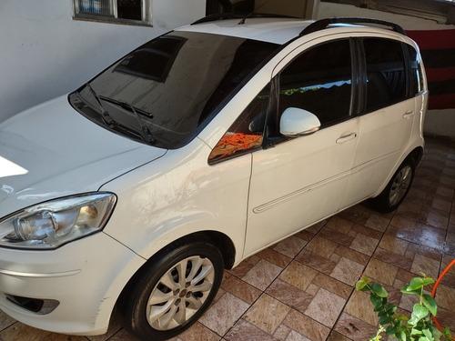 Imagem 1 de 9 de Fiat Idea 2013 1.4 Attractive Flex 5p