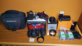 Canon T5i (eos 700d) + Lente 18-55mm + Lente 50mm + Varios