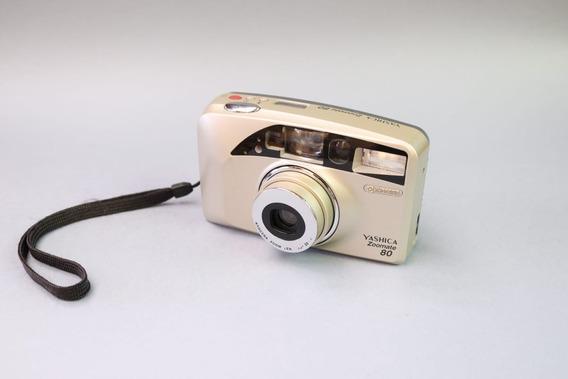 Câmera Yashica Zoomate 80