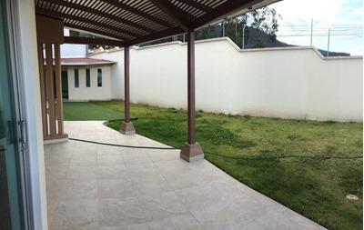 Cumbayá -venta Dpto. Tipo Casa 3 Dormitorios+jardín+ascensor