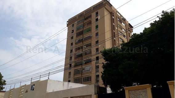 Apartamento En Excelentes Condiciones Las Delicias 20-9069