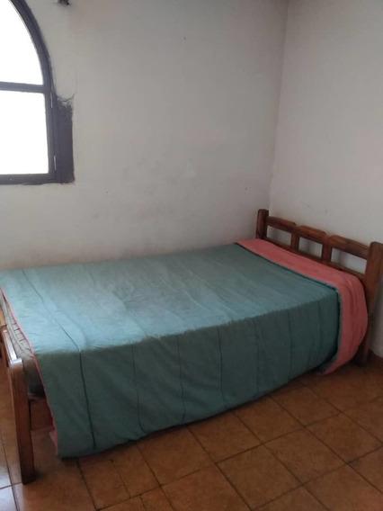 Alquiler. Habitacion. Av. Aragua. 04149439542