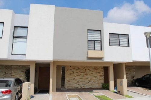 Casa En Renta En El Refugio, Queretaro, Rah-mx-19-1417