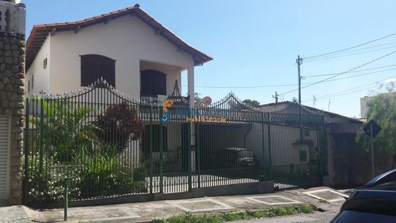 Casa Estilo Colonial , Janelas Em Madeira , 2 Pavimentos , Bairro Planalto, Próximo Colégio Santa Maria. - 5032