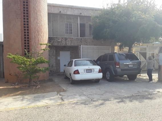 Casa Alquiler Urbanización La Trinidad Maracaibo Api 5043