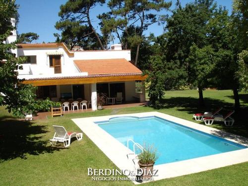 Casa - Playa Mansa- Ref: 720
