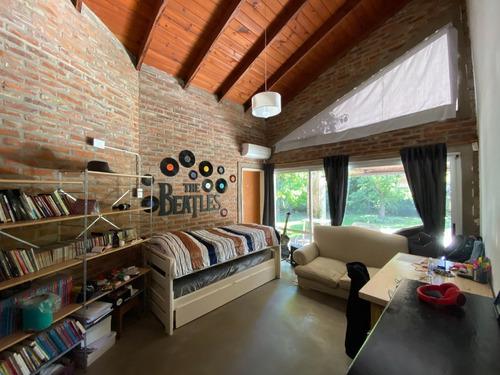 Casa En Aldea Fisherton - 3 Dormitorios Con Jardin Y Pileta