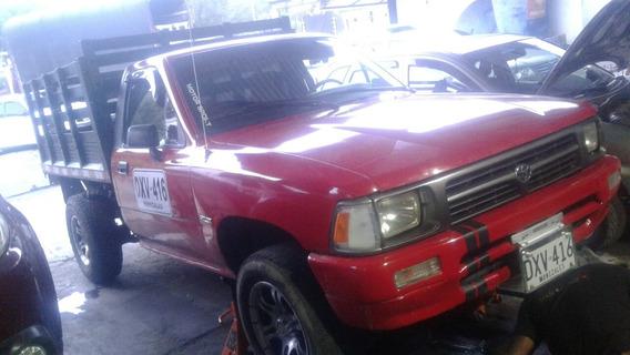 Toyota Hilux Toyota Hilux 2,4