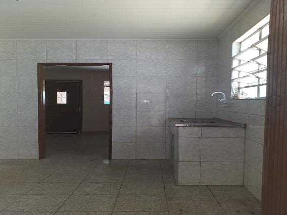 Casa Com 02 Dormitórios E 01 Vaga De Garagem - Bairro Km 18 - 11489