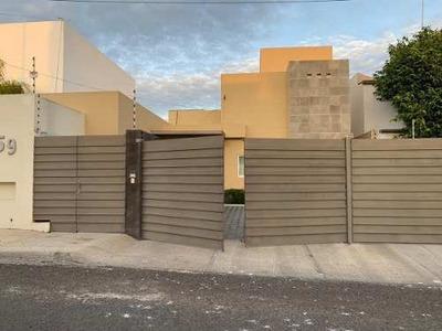 Excelente Casa En Una Sola Planta En Renta (da)