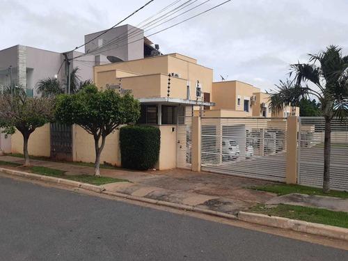 Lindo Sobrado Em Condomínio Fechado Em Cuiabá