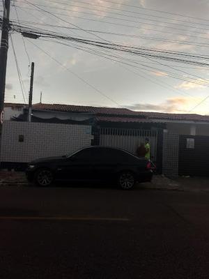 Casa Com 3 Dormitórios À Venda, 300 M² Por R$ 250.000 - Torre - João Pessoa/pb - Ca0745