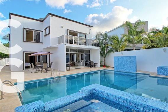 Casa En Venta En Cancun En Residencial Lagos Del Sol De 5 R