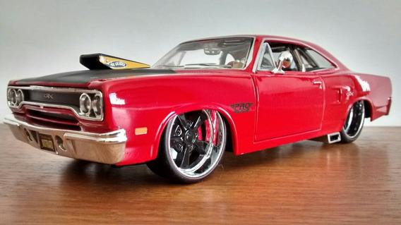 1970 Dodge Plymouth Gtx - Maisto 1:24 ( Não Jada )