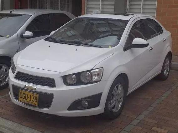 Chevrolet Sonic-blanco Modelo 2013