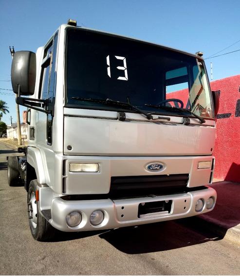 Ford Cargo 816 Chassi 2013 Prata