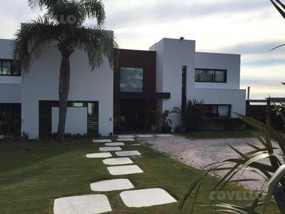 Espectacular Casa En Punta Ballena!