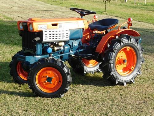 Tractor  Kubota B7000 4x4