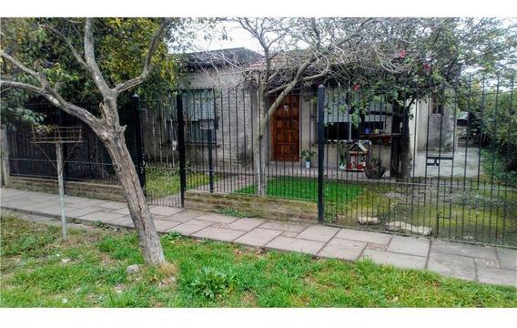 Casa Venta Jose C Paz 3 Amb + Depto Al Fondo