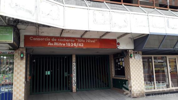 Venta De Cochera En Sarandí (25577)
