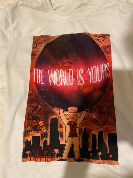 Playera The World Is Your