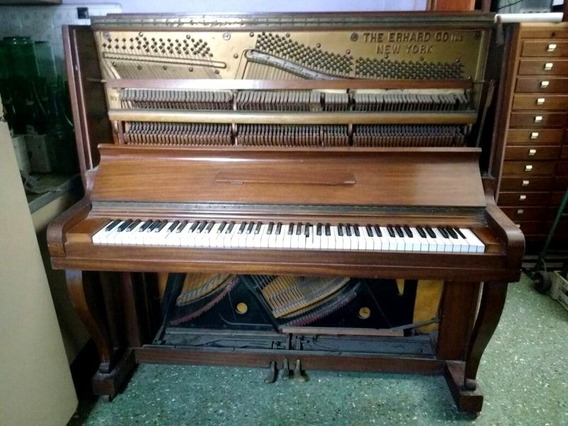 Antiguo Piano Vertical The Erhard Co New York 88 Teclas