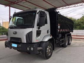 Ford Cargo 2629 - 2015 - 15m³ - Entrada 17.400,00 + Dívida.