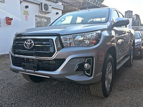 Toyota Hilux 2.8 Cd Srv 177cv 4x2 At