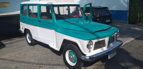 Willys Rural Luxo