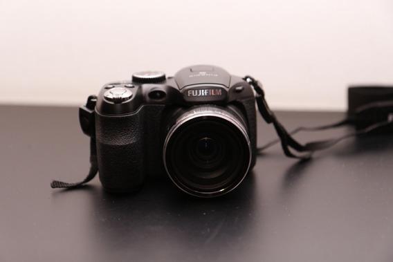 Câmera Fujifilm S2980 - 18x Zoom / Semi-profissional