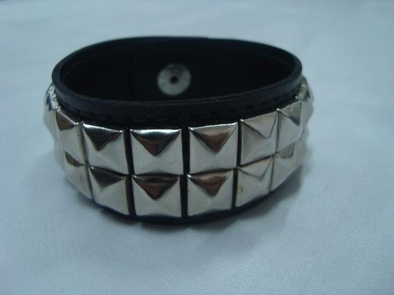 Bracelete / Pulseira Com 2 Fileiras De Rebite (piramede)