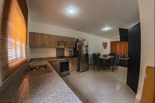 Casa En Venta En Villas Las Palmas, Excelente Zona