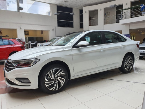 Volkswagen Vento Highline 250 Tsi At