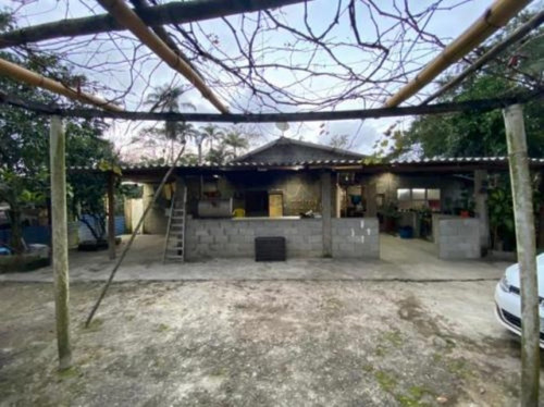 Imagem 1 de 14 de Chácara No Litoral Com 4 Dormitórios Em Itanhaém-sp   8262pc
