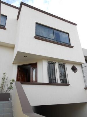 Casa En Renta, Colinas Del Cimatario // Rcr190611-ns