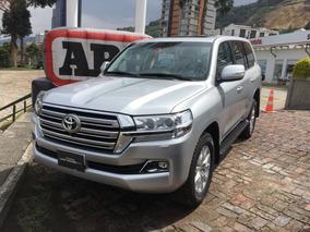 Toyota Land Cruiser 200 Diesel Plata Metalico Modelo 2019