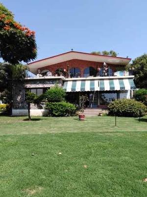 Casa En Fraccionamiento En Tamoanchan / Jiutepec - Cal-225-fr
