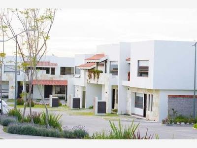 Casa Sola En Venta Fracc. Altozano