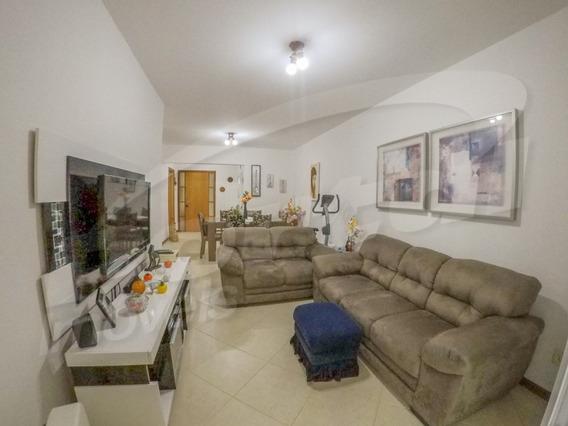 Um Belíssimo Apartamento Localizado No Bairro Jardim Blumenau, Semi Mobiliado Com 3 Dormitórios, Sendo 1 Suíte, Banheiro, Cozinha, Sala De Estar Integrado A Sala De Jantar E Sacada Com Churrasqueira,