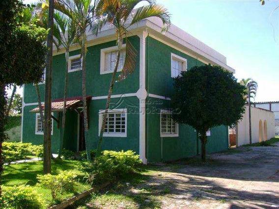 Ótima Chácara Com 5 Dormitórios, 2 Suites, Piscina - V60126