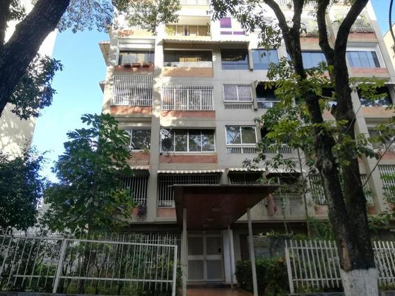 Apartamento En Venta Sabana Grande Caracas 20-5037