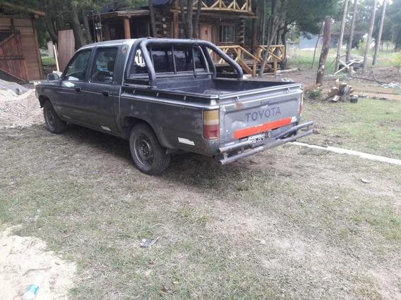 Toyota Hilux 1999 2.8 D/cab 4x2 D Dlx