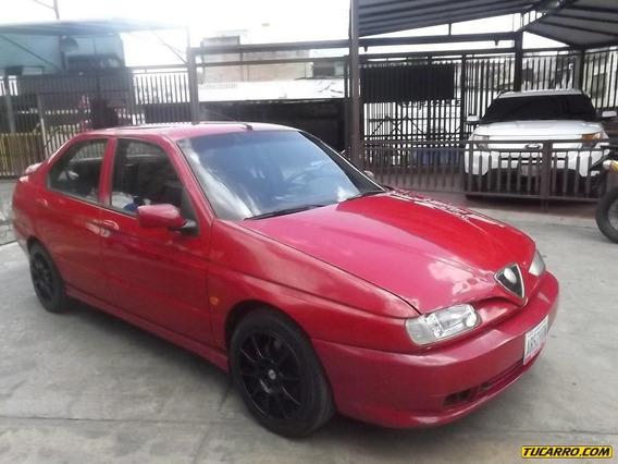 Alfa Romeo 146 .