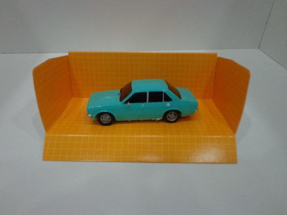 Opel K Verde Pastel- 1/43- Modelos Cartrix Coleccion