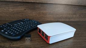 Raspberry Pi 3 Com Controle. Completo + Brinde