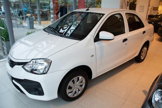Toyota Etios 4p X Mt 2019