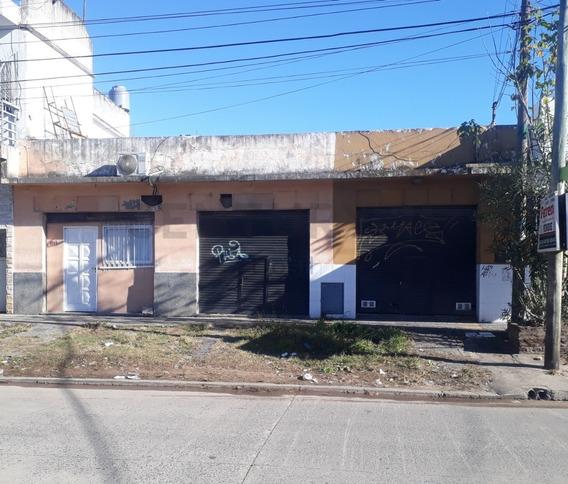 Venta Local Con Casa 3 Ambientes C/cochera, Terraza En Ituzaingo Sur