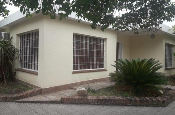 Excelente Casa En Alquiler Bº Villa Cabrera